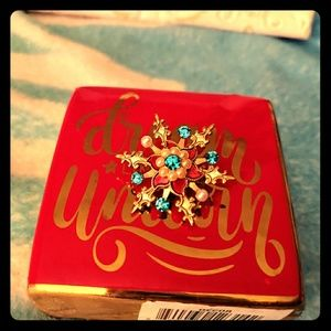 🎄 Beautiful Vintage Colored Snowflake Pin🎄